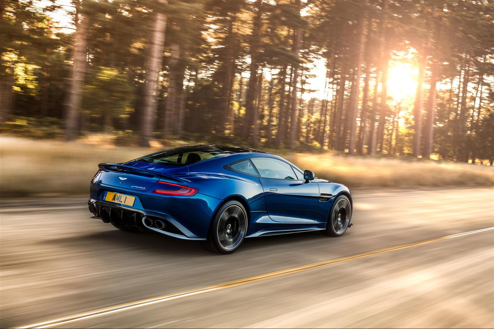 the new grand tourer from aston martin: the vanquish s - lxry